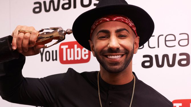 yousef erakat on streamy awards