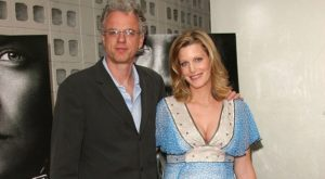 Anna Gunn bio, wiki, net worth, husband,