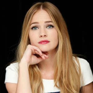 Britt Robertson Biography   Know more about her Personal Life, Married, Husband, Dylan O'brien, Net Worth, Age, Movies, Under the Dome, Height, Ethnic, Gif