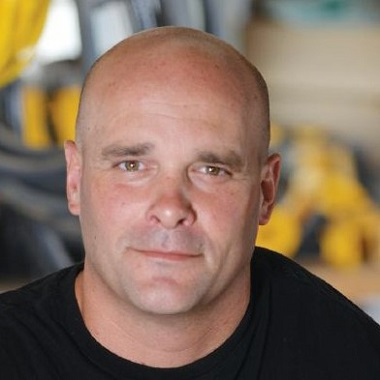 Bryan Baeumler Biography | Know more about his Personal Life, Wife, Sarah, Shows, Net Worth, Cottage, Home, Construction, Lowes, Bio, Wiki, Office, Height