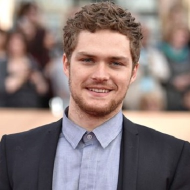 Finn Jones Biography | Know more about his Personal Life, Married, Net Worth, Iron Fist, Loras Tyrell, Age, Height, Wiki, Training, Interview, Holly Oaks, Death, Gif