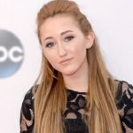 Noah Cyrus Biography | Know more about her Personal Life, Age, Net Worth, Siblings, Height, Songs, Wiki, Family, Miley Cyrus, Album, As a Child, Bio, Awards
