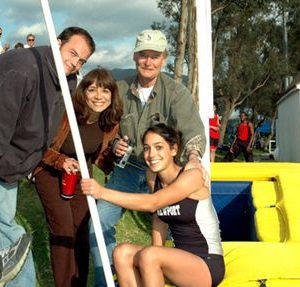 Talented Allison Stokke along with her father, mother, and brother