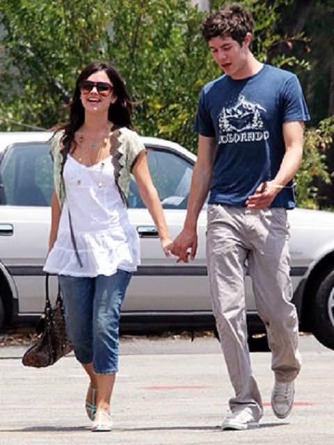 Adam with his ex-girlfriend Rachel Bilson