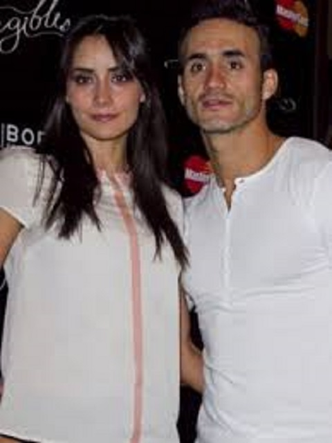 Paola and his fiance Valdes